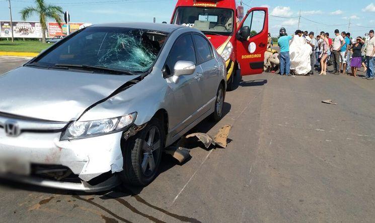 7811eeaac48 Acidente entre carro e moto deixa mulher gravemente ferida em Lucas do Rio  Verde