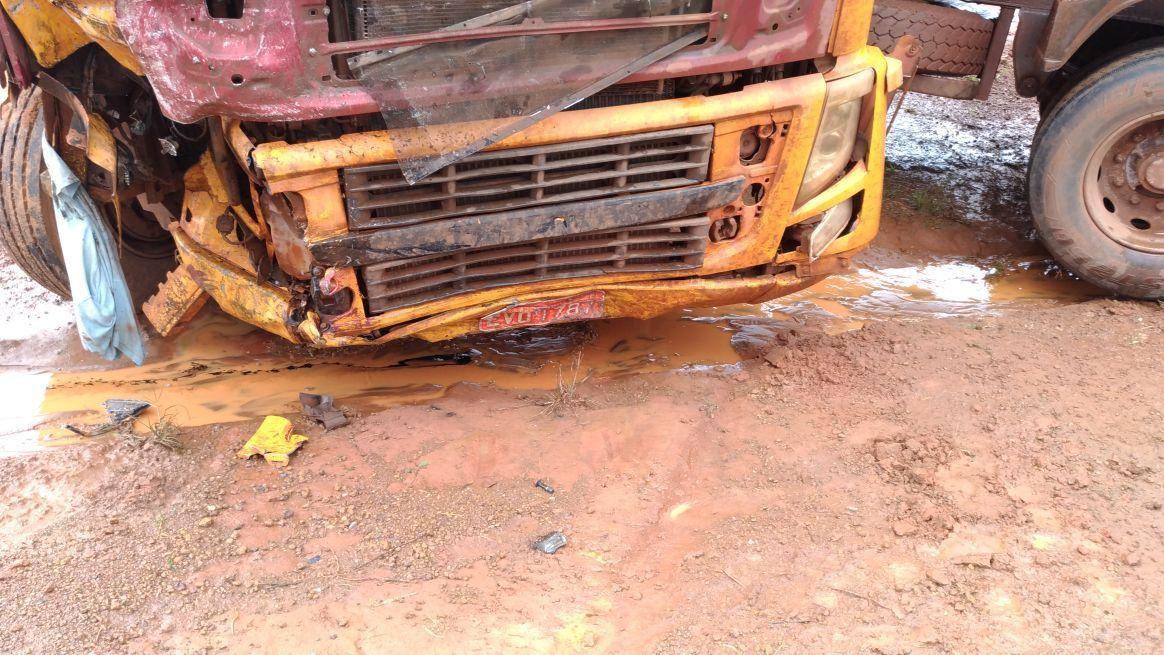 9c256fc20 Motorista morre após carro bater de frente com carreta na BR-163 em ...