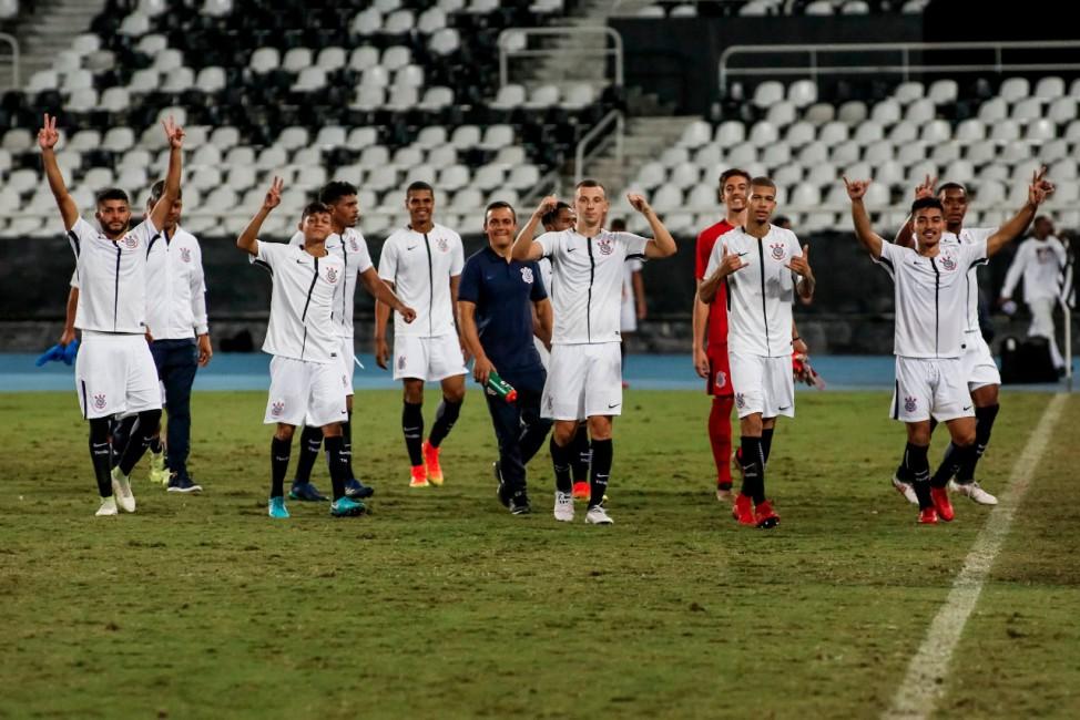 Corinthians faz promoção para ingressos da Copa do Brasil Sub-20 ... bc76d58de2898