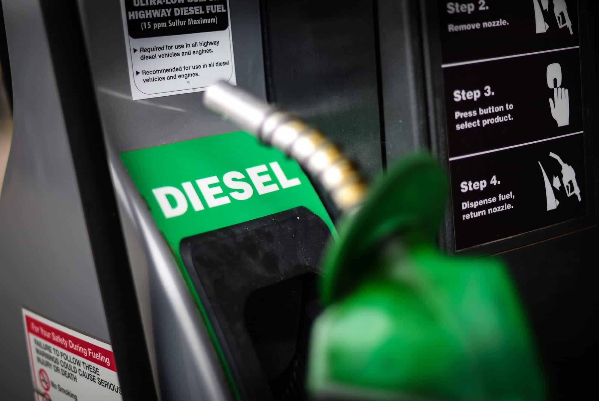 Resultado de imagem para oleo diesel