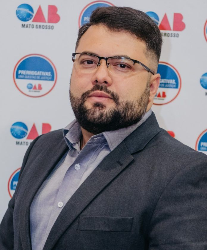 Pérsio Oliveira Landim