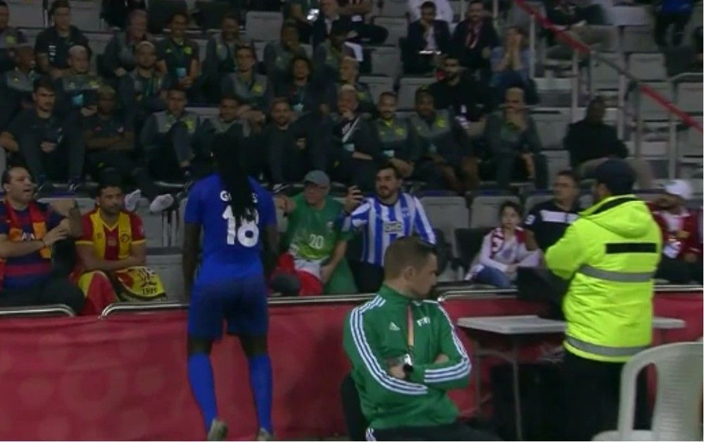 Resultado de imagem para Com golaço de Gomis, Al Hilal bate o Espérance e vai enfrentar o Flamengo