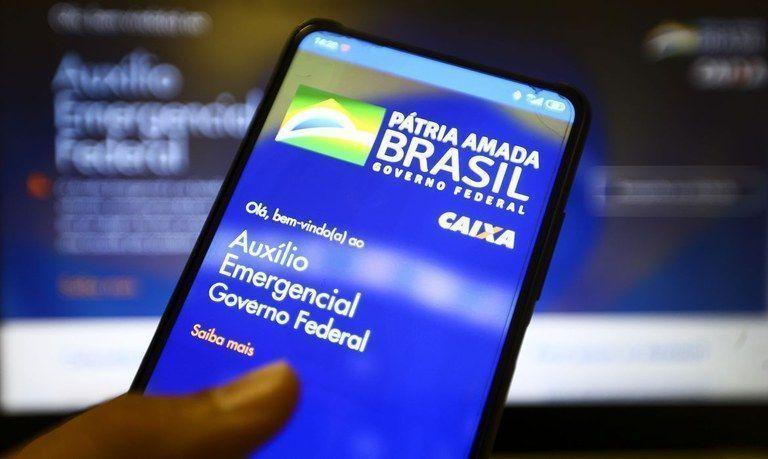 Auxílio Emergencial: Caixa paga algumas parcelas do auxílio emergencial e a 1ª da extensão do benefício