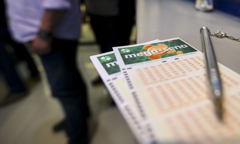 Mega-Sena: Aposta feita na internet leva prêmio de R$ 53 milhões